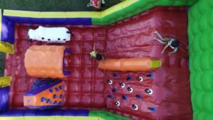 brinquedos infláveis para colônia de férias