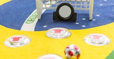 Futebol de botão, criativo e divertido.